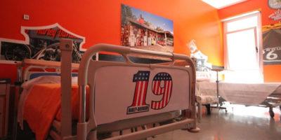 Stanza in stile biker in pediatria nell'ospedale di Busto Arsizione (VA)